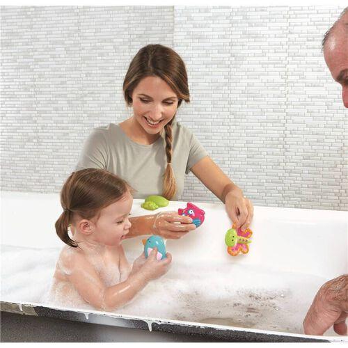 """Babies""""R""""Us เบบี้ อาร์ อัส ชุดของเล่นอาบน้ำ แพ็ก 4 ชิ้น ลายการ์เดนปาร์ตี้"""